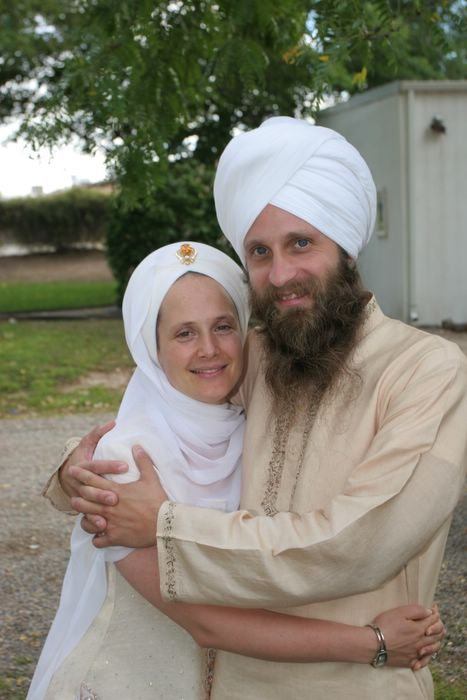 snatam kaur and husband sopurkh singh mrsikhnet