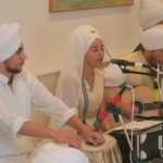 Hari Bhajan Kaur Playing Kirtan