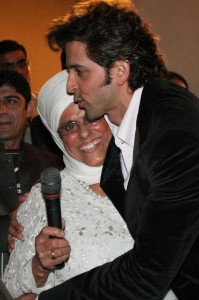 Hrithik Roshan giving a hug to Bibiji Inderjit Kaur