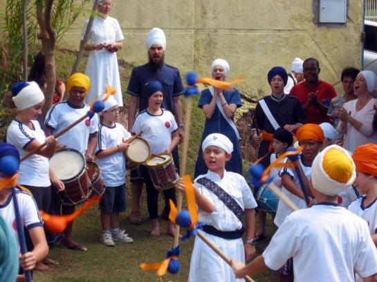 Miri Piri Academy - Brazil. Students practice Gatka
